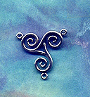 Celtic Triskelion Centerpiece 1 inch tall